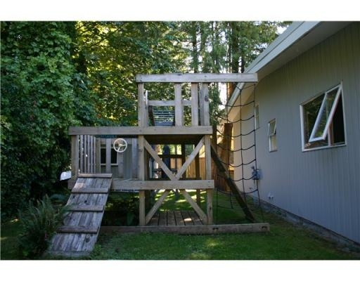 Photo 4: 4887 THE DALE in West Vancouver: House for sale : MLS® # V850847