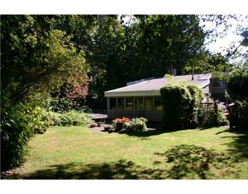 Photo 2: 4887 THE DALE in West Vancouver: House for sale : MLS® # V850847