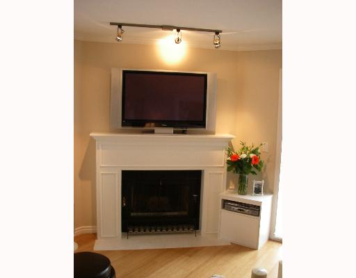 "Photo 2: 203 888 W 13TH Avenue in Vancouver: Fairview VW Condo for sale in ""THE CASABLANCA"" (Vancouver West)  : MLS(r) # V650167"