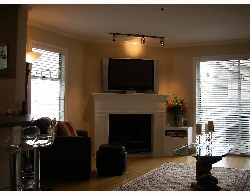 "Photo 3: 203 888 W 13TH Avenue in Vancouver: Fairview VW Condo for sale in ""THE CASABLANCA"" (Vancouver West)  : MLS(r) # V650167"