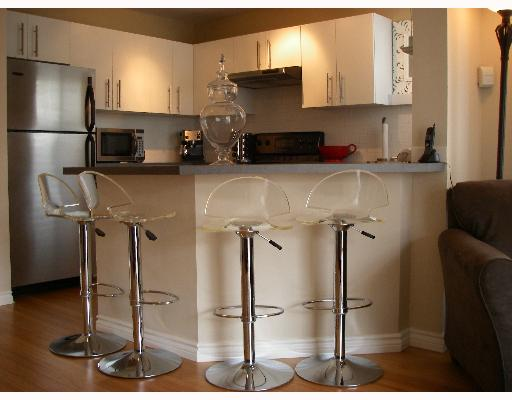 "Photo 6: 203 888 W 13TH Avenue in Vancouver: Fairview VW Condo for sale in ""THE CASABLANCA"" (Vancouver West)  : MLS(r) # V650167"