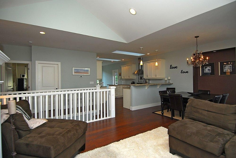 Photo 4: 2176 Harrow Gate in Victoria: Residential for sale : MLS(r) # 270626