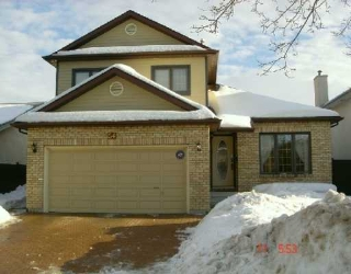 Main Photo: 54 DES INTREPIDES PROM in Winnipeg: St Boniface Single Family Detached for sale (South East Winnipeg)  : MLS®# 2703191