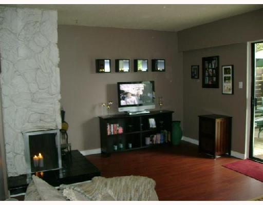 "Main Photo: 514 9651 GLENDOWER Drive in Richmond: Saunders Townhouse for sale in ""GLEN ACRES VILLAGE"" : MLS(r) # V700924"