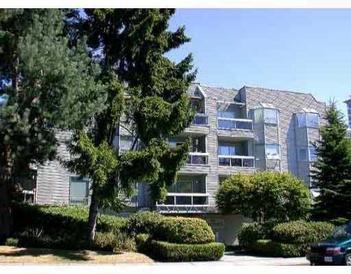 "Main Photo: 1550 CHESTERFIELD Ave in North Vancouver: Central Lonsdale Condo for sale in ""THE CHESTERS"" : MLS® # V629752"