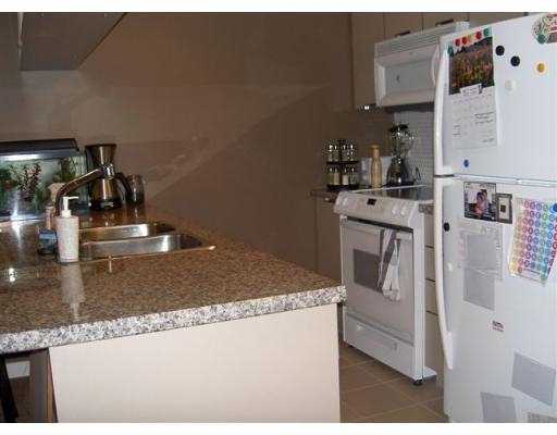 "Photo 5: 212 1082 SEYMOUR Street in Vancouver: Downtown VW Condo for sale in ""FREESIA"" (Vancouver West)  : MLS(r) # V668613"