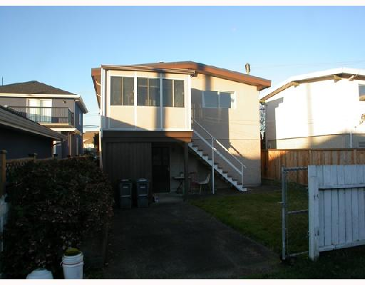 "Photo 2: 3326 SCHOOL Avenue in Vancouver: Killarney VE House for sale in ""KILLARNEY"" (Vancouver East)  : MLS(r) # V678323"