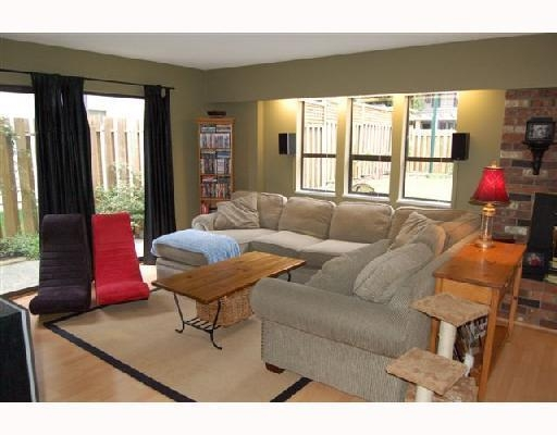 Photo 5: 21340 DOUGLAS AV in Maple Ridge: House for sale : MLS(r) # V741054