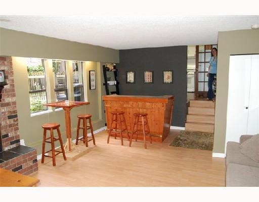 Photo 6: 21340 DOUGLAS AV in Maple Ridge: House for sale : MLS(r) # V741054
