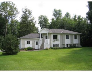 Main Photo: 101 Constance Creek Dr in Dunrobin: Residential Detached for sale : MLS(r) # 734381