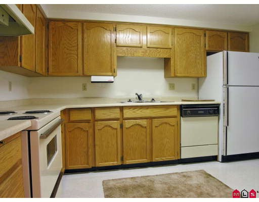 "Photo 2: 101 31850 UNION Avenue in Abbotsford: Abbotsford West Condo for sale in ""Fernwood Manor"" : MLS® # F2810921"