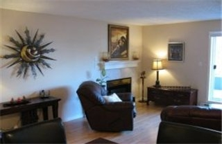 Photo 2: : Condo / Townhouse for sale (Burnside Victoria Victoria Vancouver Island/Smaller Islands British Columbia)  : MLS® # 250963