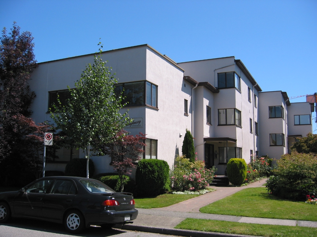 Main Photo: 104-6020 East Boulevard in Vancouver West: Kerrisdale Condo for sale