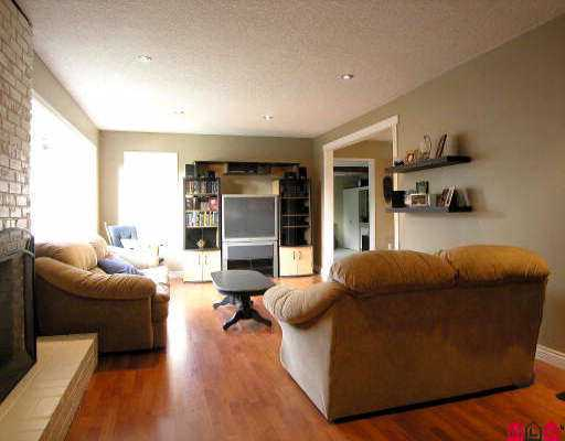 Photo 3: 34623 ASCOTT AV in Abbotsford: Abbotsford East House for sale : MLS® # F2525728