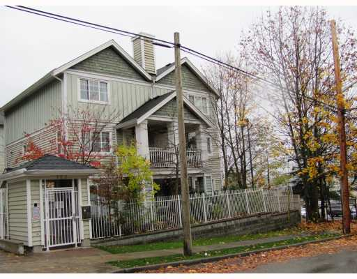 "Main Photo: 9 123 7TH Street in New Westminster: Uptown NW Townhouse for sale in ""ROYAL CITY TERRACE"" : MLS® # V796259"