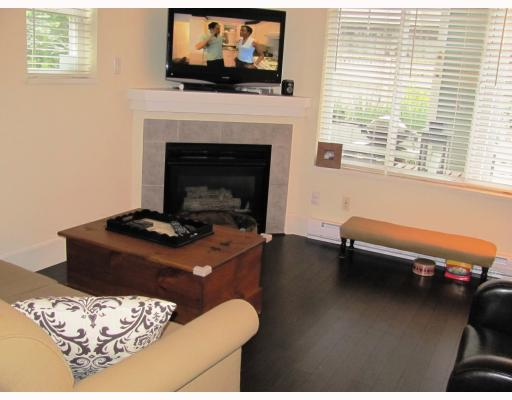 "Photo 4: 9 123 7TH Street in New Westminster: Uptown NW Townhouse for sale in ""ROYAL CITY TERRACE"" : MLS(r) # V796259"