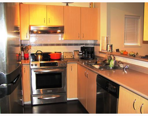 "Photo 7: 9 123 7TH Street in New Westminster: Uptown NW Townhouse for sale in ""ROYAL CITY TERRACE"" : MLS(r) # V796259"