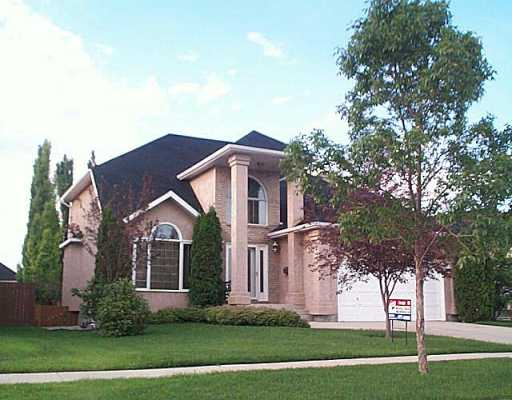 Main Photo: 311 ROYAL MINT Drive in Winnipeg: Windsor Park / Southdale / Island Lakes Single Family Detached for sale (South East Winnipeg)  : MLS® # 2510402