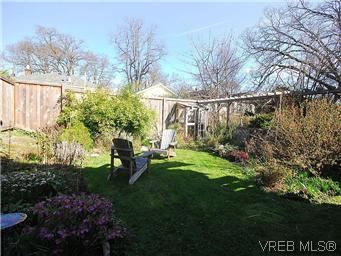 Photo 19: 1736 Bay Street in VICTORIA: Vi Fernwood Single Family Detached for sale (Victoria)  : MLS(r) # 295649
