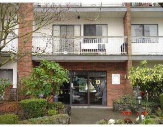 "Main Photo: 202 1950 W 8TH Avenue in Vancouver: Kitsilano Condo for sale in ""MARQUIS MANOR"" (Vancouver West)  : MLS®# V705883"