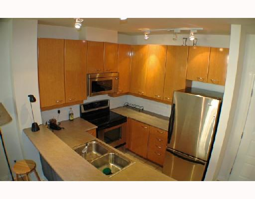 Photo 4: 105 2028 W 11TH Avenue in Vancouver: Kitsilano Condo for sale (Vancouver West)  : MLS® # V657990
