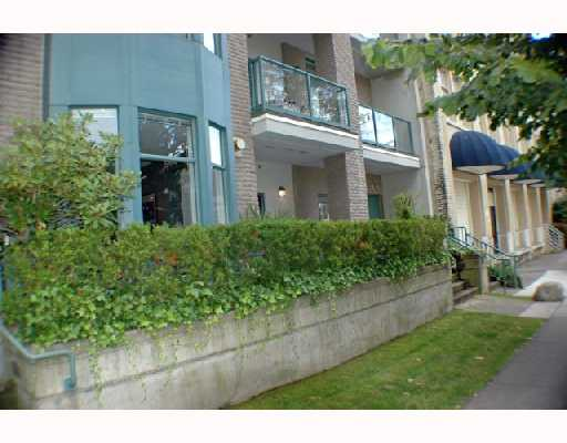 Photo 2: 105 2028 W 11TH Avenue in Vancouver: Kitsilano Condo for sale (Vancouver West)  : MLS® # V657990