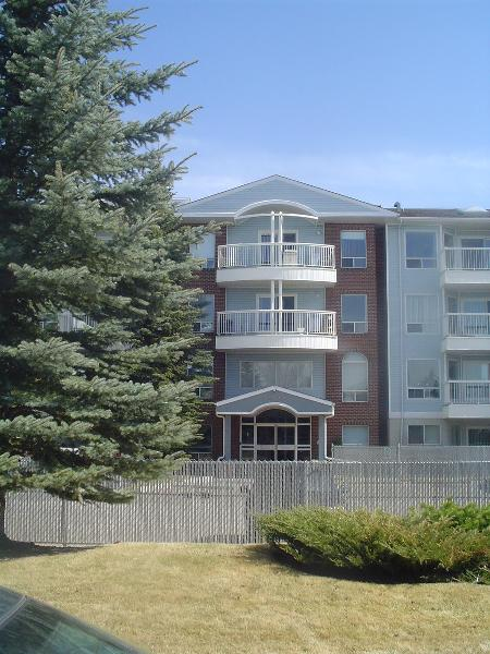 Main Photo:  in EDMONTON: REA for sale (Beaumaris)