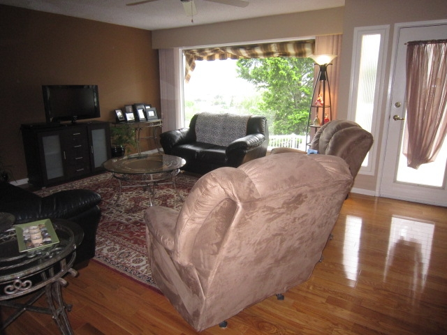 Photo 14: 180 CRAIG DRIVE in Penticton: Residential Detached for sale : MLS(r) # 131128