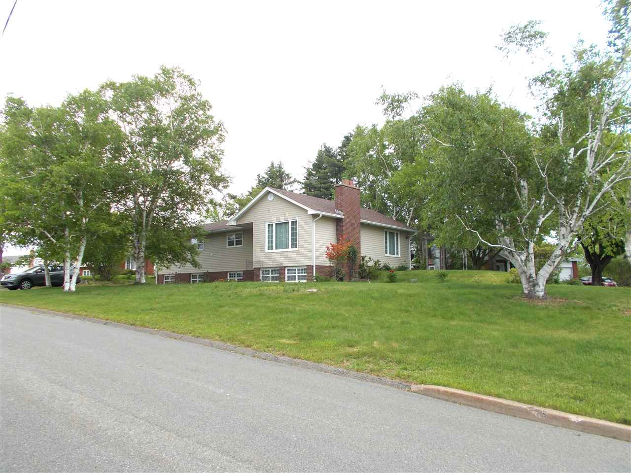 FEATURED LISTING: 423 Essex Drive New Glasgow