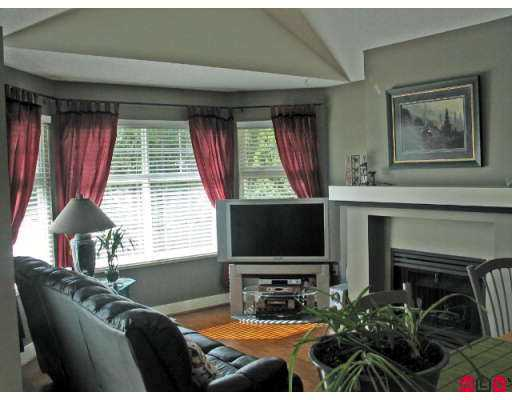 "Photo 3: 15450 ROSEMARY HTS Crescent in Surrey: Morgan Creek Townhouse for sale in ""Carrington"" (South Surrey White Rock)  : MLS(r) # F2707251"