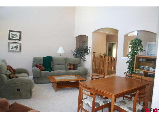 Photo 5: 6804 SHEFFIELD WY in Sardis: Sardis East Vedder Rd House for sale : MLS(r) # H1003224
