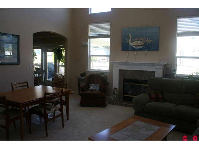 Photo 4: 6804 SHEFFIELD WY in Sardis: Sardis East Vedder Rd House for sale : MLS(r) # H1003224