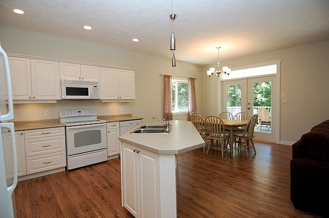Photo 7: Photos: 2851 WEDGEWOOD DRIVE in DUNCAN: House for sale : MLS® # 302405