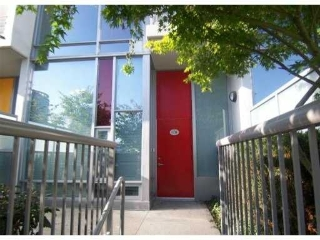 Main Photo: 118 Dunsmuir Street in Vancouver: Condo  : MLS® # v878598