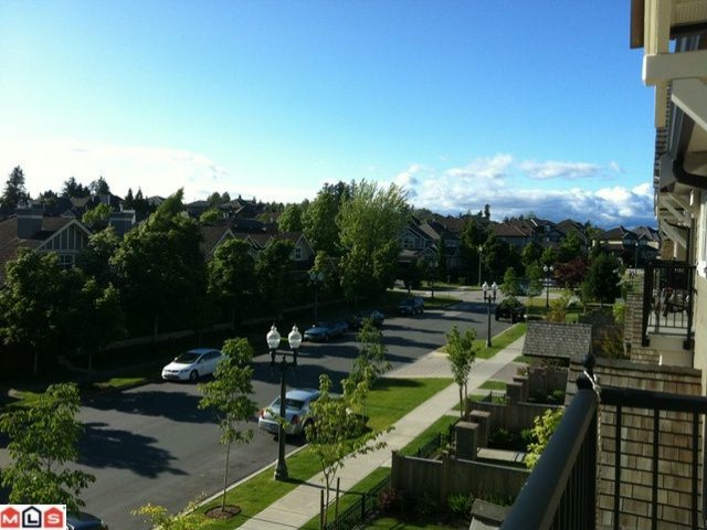 Photo 2:  in Surrey: Morgan Creek Condo for sale (South Surrey White Rock)  : MLS(r) # F1117048