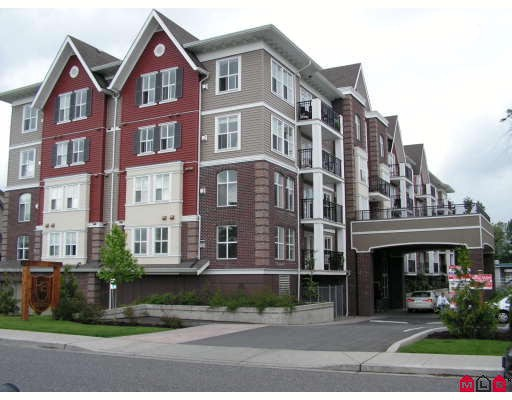 "Main Photo: 303 8933 EDWARD Street in Chilliwack: Chilliwack W Young-Well Condo for sale in ""KING EDWARD"" : MLS® # H2803180"