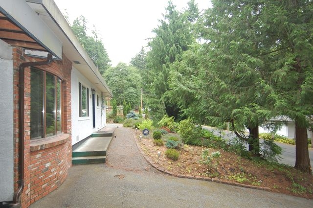 Photo 3: Photos: 5838 UPLAND AVENUE in DUNCAN: House for sale : MLS® # 320165