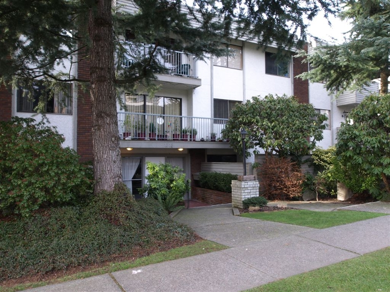 Main Photo: # 304 1515 Chesterfield Avenue in N. Vancouver: Central Lonsdale Condo for sale ()  : MLS® # V803278