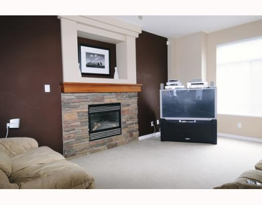 Main Photo: 23605 DEWDNEY TRUNK RD in Maple Ridge: Condo for sale : MLS® # V757687