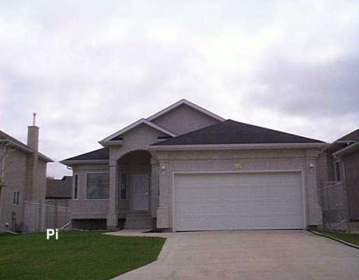 Main Photo: 35 COLLETT Cove in Winnipeg: Murray Park Single Family Detached for sale (South Winnipeg)  : MLS® # 2607477