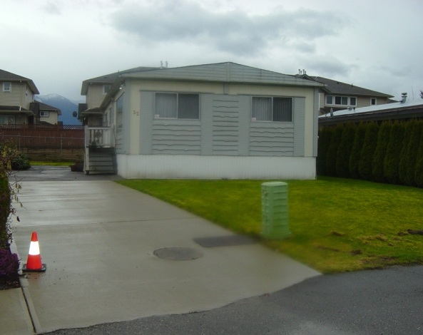 "Main Photo: 52 7610 Evans Road in Chilliwack: Manufactured Home for sale in ""Cottonwood MHP"" (Sardis)  : MLS®# H1101139"