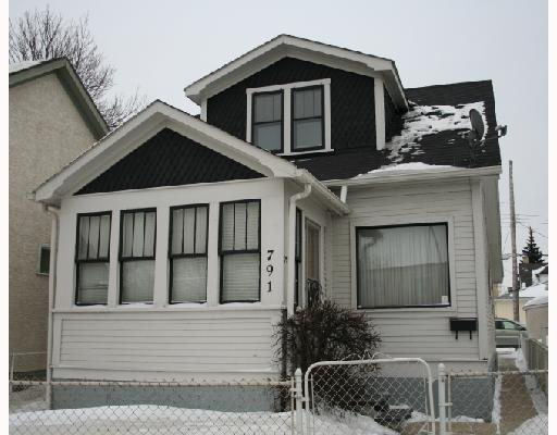 Main Photo: 791 MCPHILLIPS Street in WINNIPEG: North End Residential for sale (North West Winnipeg)  : MLS(r) # 2801375