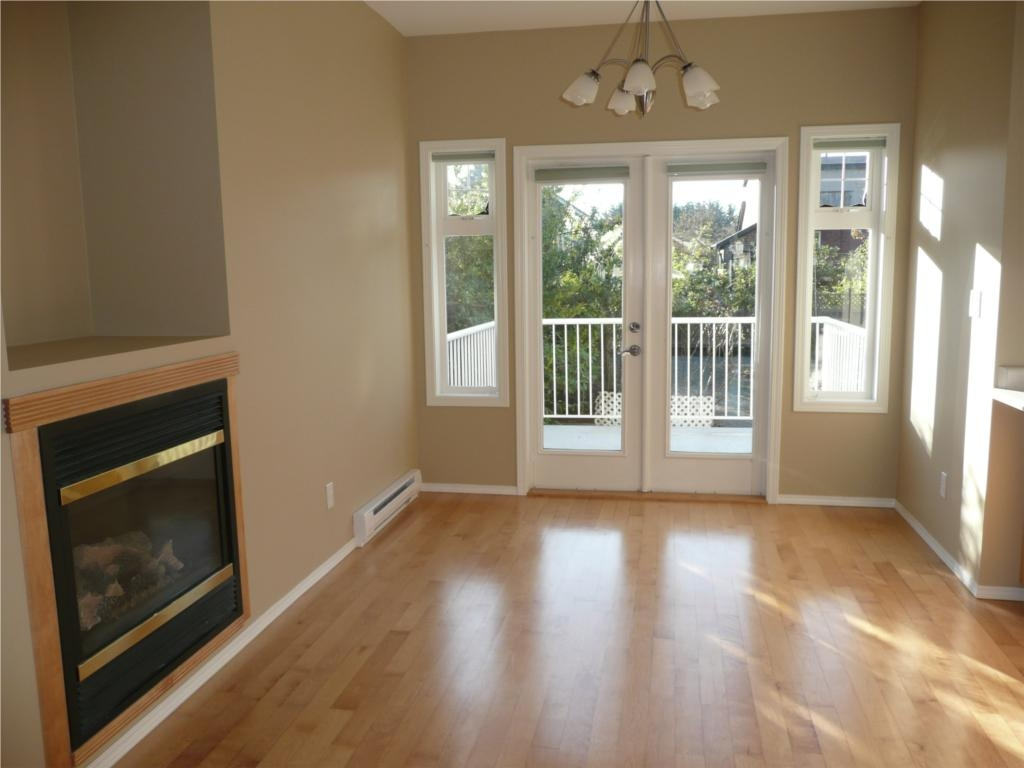 Photo 5: 484 Foster St in Victoria: Residential for sale : MLS(r) # 285068