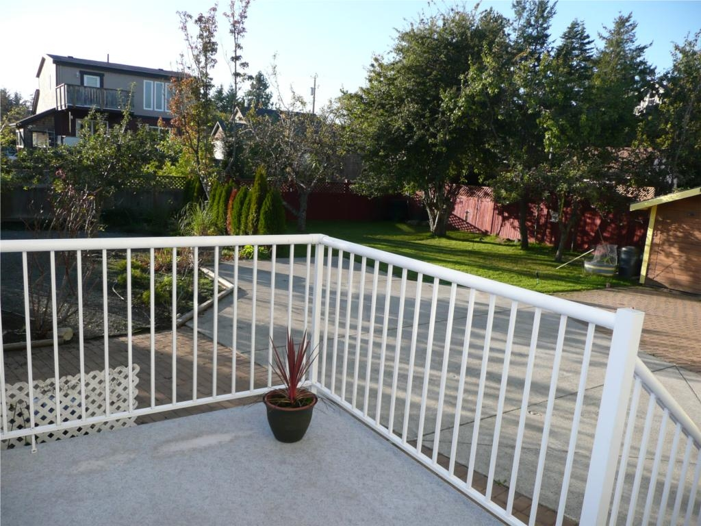 Photo 11: 484 Foster St in Victoria: Residential for sale : MLS(r) # 285068