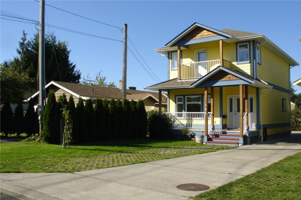 Main Photo: 484 Foster St in Victoria: Residential for sale : MLS(r) # 285068