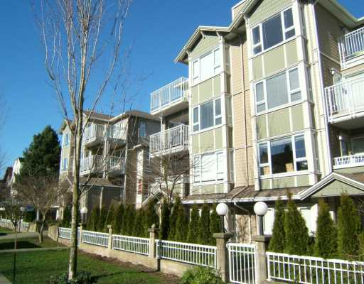 "Main Photo: 204 937 W 14TH AV in Vancouver: Fairview VW Condo for sale in ""VILLA 937"" (Vancouver West)  : MLS(r) # V574270"