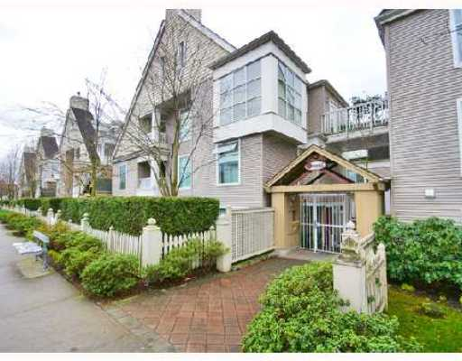 "Main Photo: 6 3170 W 4TH Avenue in Vancouver: Kitsilano Townhouse for sale in ""AVANTI"" (Vancouver West)  : MLS® # V700833"