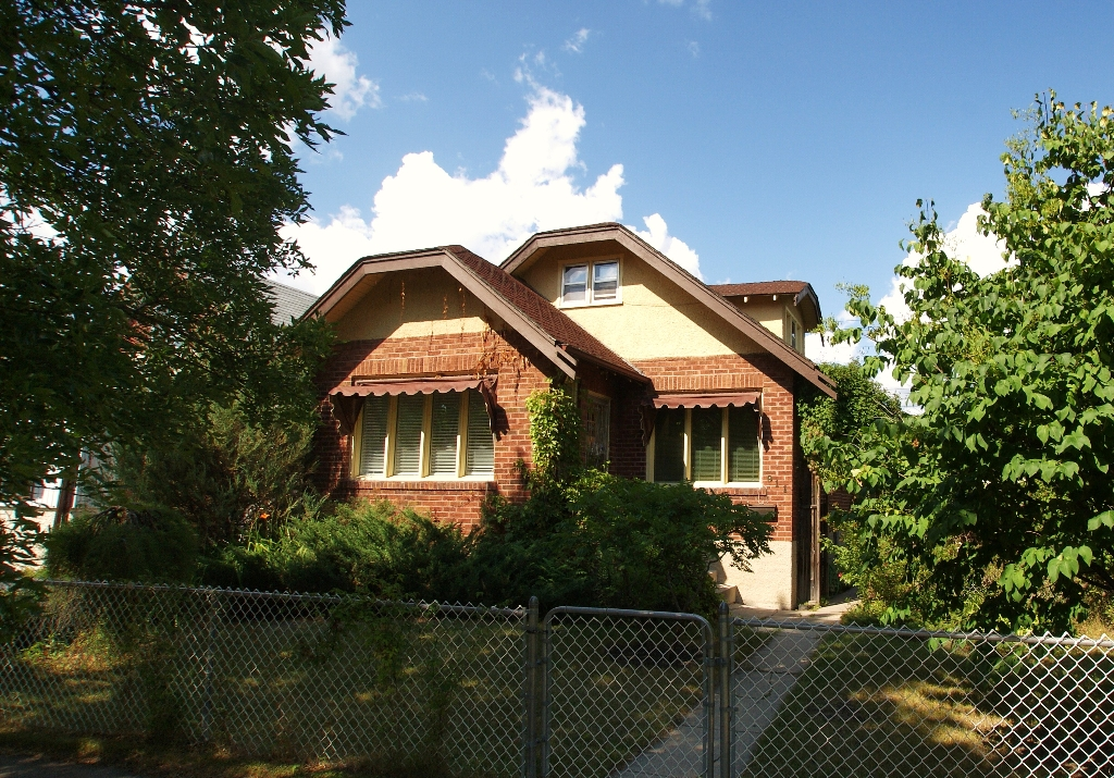 Main Photo: 911 Boyd Ave. in Winnipeg: North End Residential for sale (North West Winnipeg)  : MLS® # 1116578