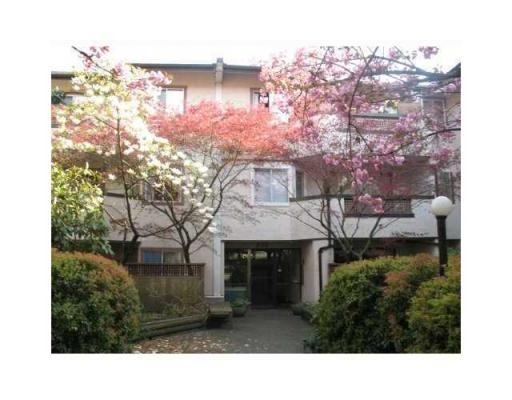 Main Photo: # 305 809 W 16TH ST in North Vancouver: Condo for sale : MLS® # V867200