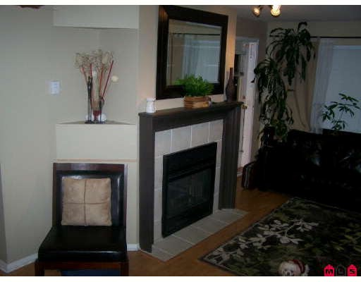 Photo 1: 404 33718 KING Road in Abbotsford: Poplar Condo for sale : MLS(r) # F2728066
